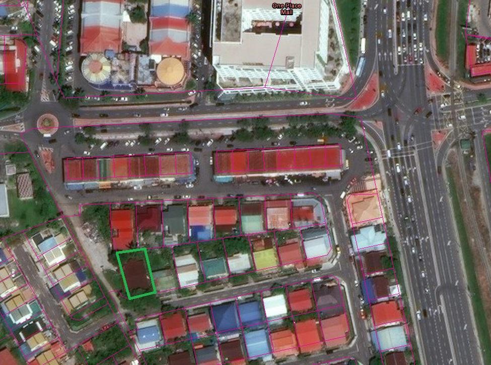 Large Land Cluster House in Taman Putatan Baru