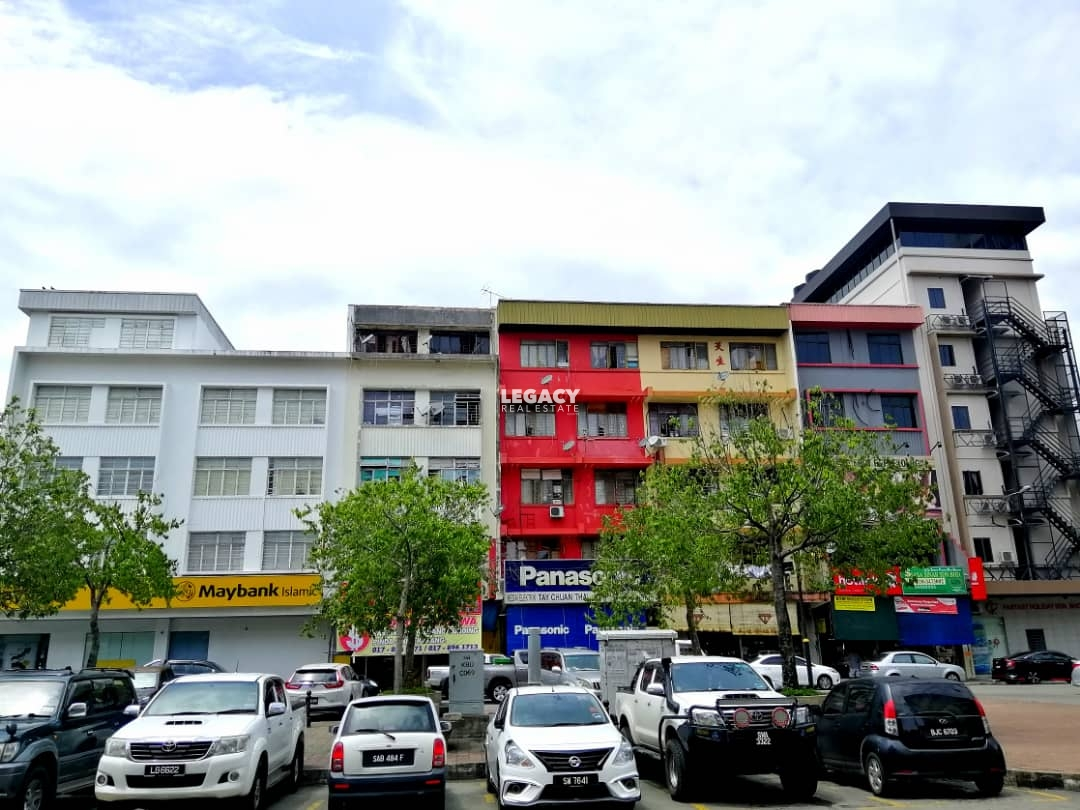 Kampung Air Shoplot   4 Storey
